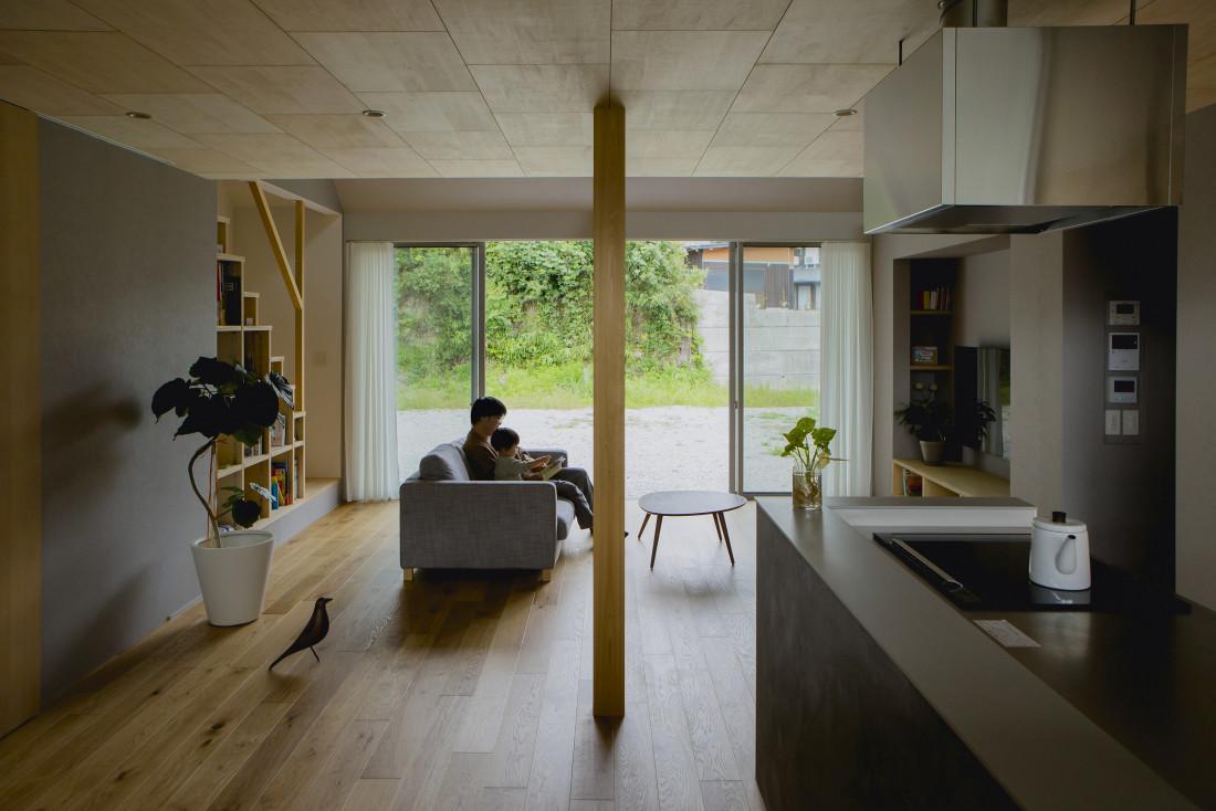 松尾の家(平屋大屋根の家 吹き抜けでつながるロフトのある家) アイキャッチ画像