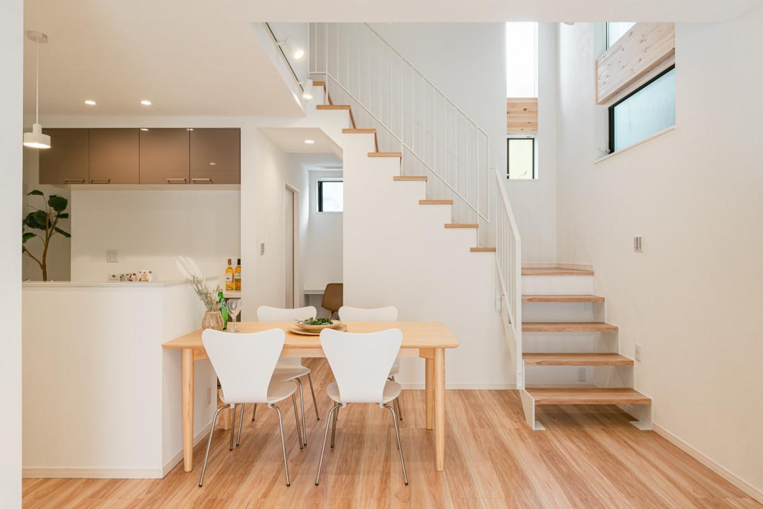 様々な壁面収納を備え、家事をしやすく アイキャッチ画像