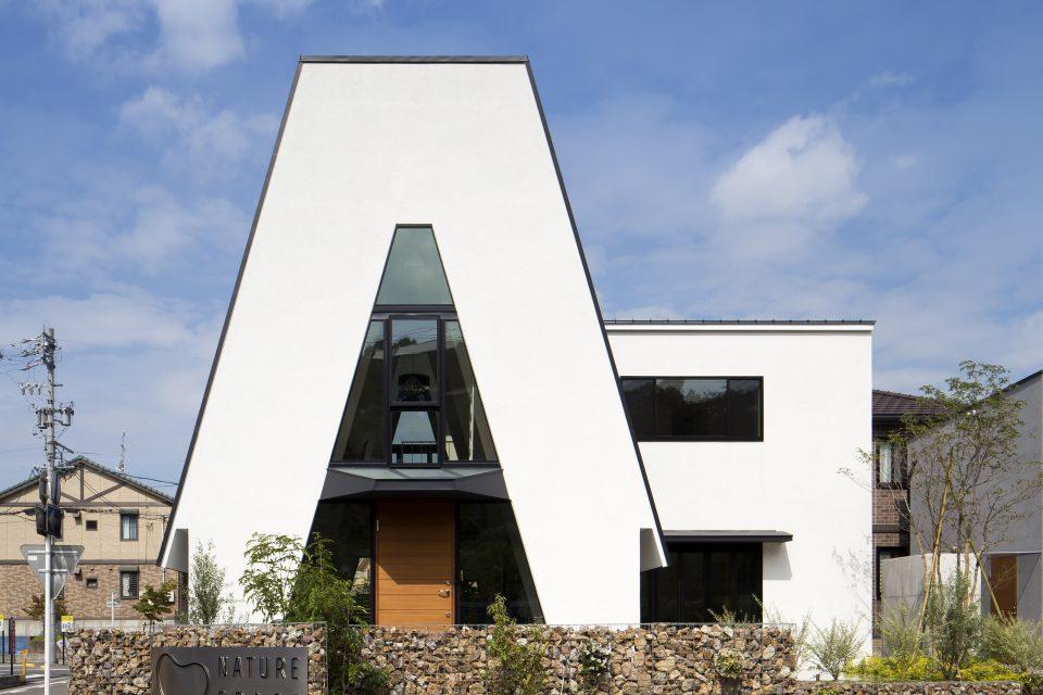 三角の家 アイキャッチ画像