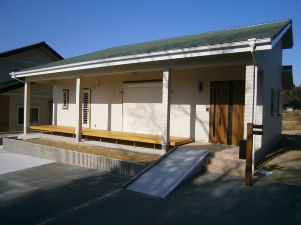 サーファーズハウス風の平屋住宅 アイキャッチ画像