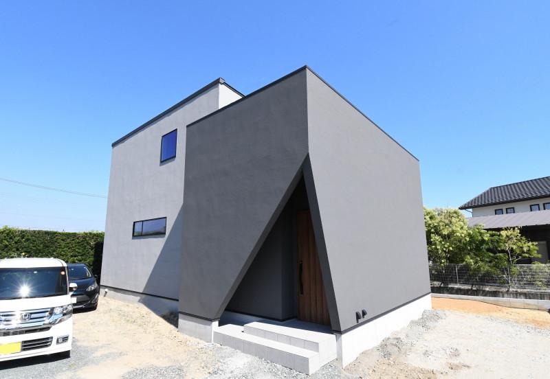 『光がとおり抜けるデザインと暮らしの家』 アイキャッチ画像